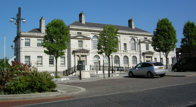 an image of the Town Hall building in Rotherham